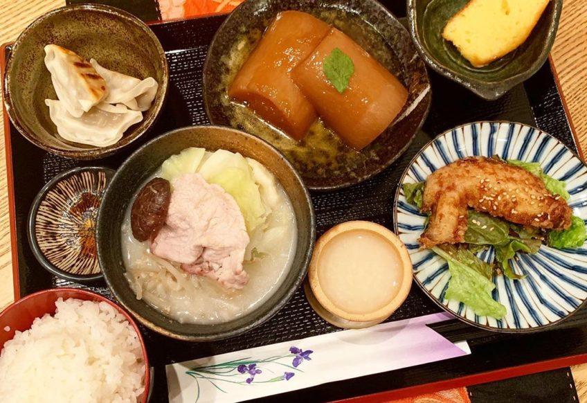 栄ランチ鍋